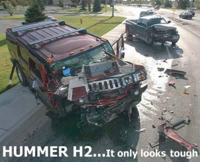 2005_04_07_104637_hummer_nasty_crash